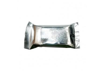 Chusteczki w srebrnym opakowaniu